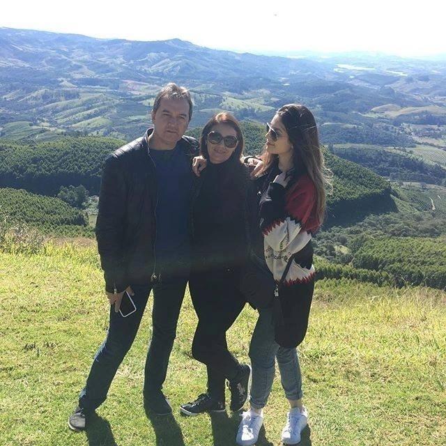 Bruna Santana com os pais Amarildo e Marizete