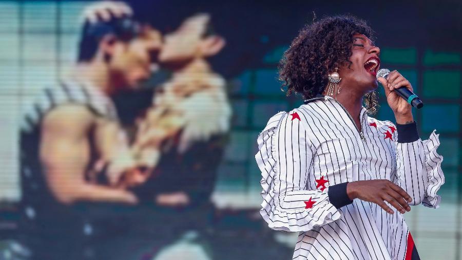 Johnny Hooker convidou Liniker e Almério para cantar a representatividade gay no Palco Sunset, no terceiro dia do Rock in Rio 2017 - Marco Antonio Teixeira/UOL