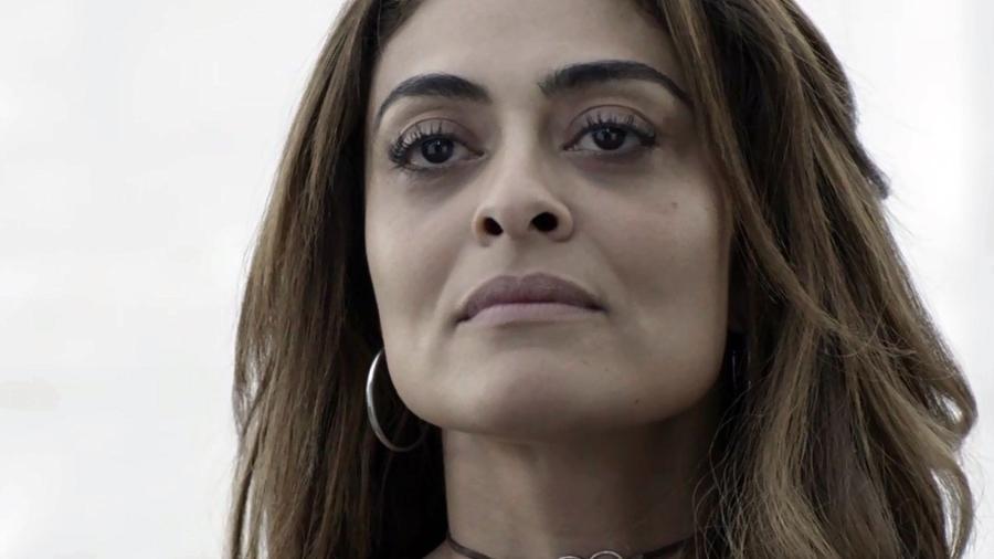 Bibi (Juliana Paes) se enche de ódio quando comparsa de Rubinho (Emilio Dantas) conta sobre dinheiro deixado para o filho - Reprodução/A Força do Querer/GShow