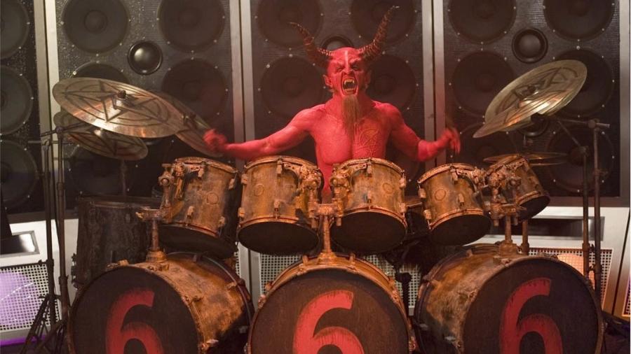 """Dave Grohl interpretou o Diabo no filme """"Tenacious D"""" - Reprodução"""