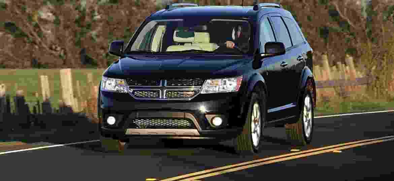 Dodge Journey está envolvido no recall por conta de emissões nos EUA - Divulgação