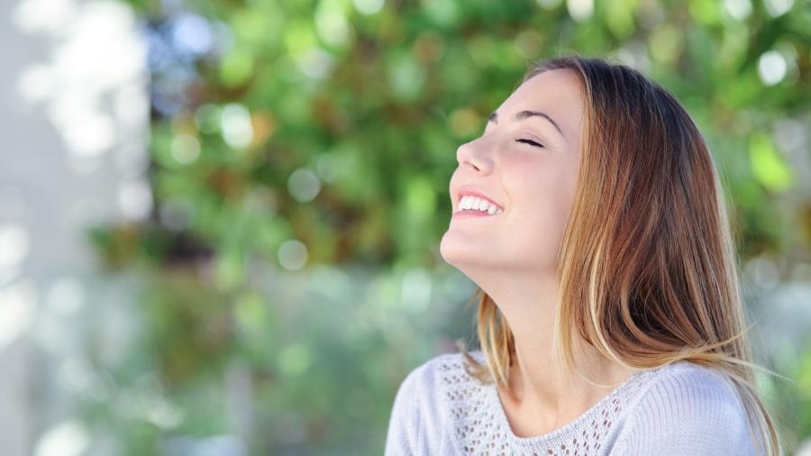 Respiração profunda e lenta ajuda na sua saúde - iStock