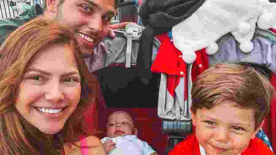 Jonathan Couto e Sarah Poncio com os filhos José Márcio e João Márcio - Arquivo Pessoal