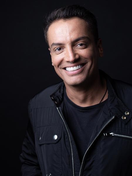 Retrato do apresentador Leo Dias nos estúdios do UOL - Marcus Steinmeyer/UOL