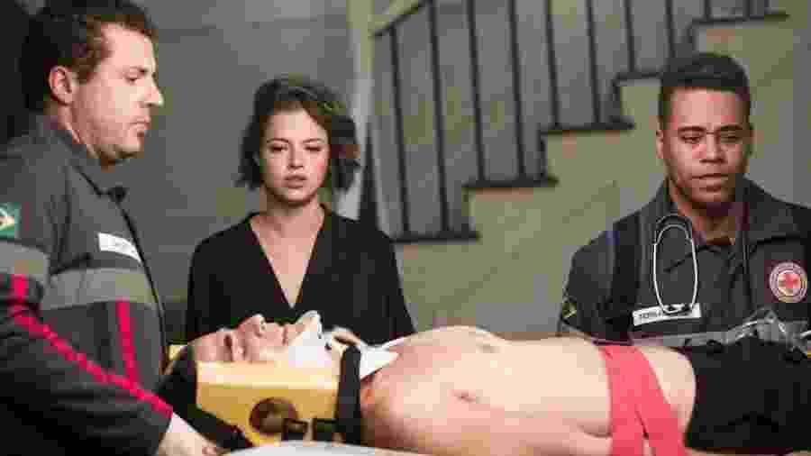 Régis (Reynaldo Gianecchini) é ferido seriamente por Maria da Paz (Juliana Paes), na novela A Dona do Pedaço -  João Miguel Júnior/Globo