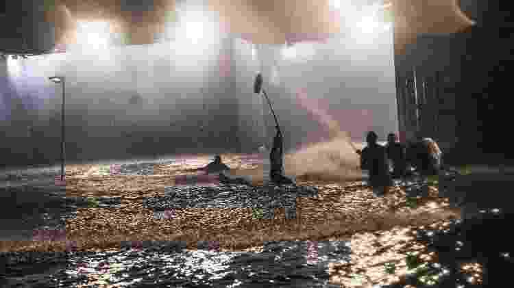 A cena do furacão de Salve-se Quem Puder foi gravada em um parque aquático no Rio - Divulgação/ Globo/João Miguel Júnior - Divulgação/ Globo/João Miguel Júnior