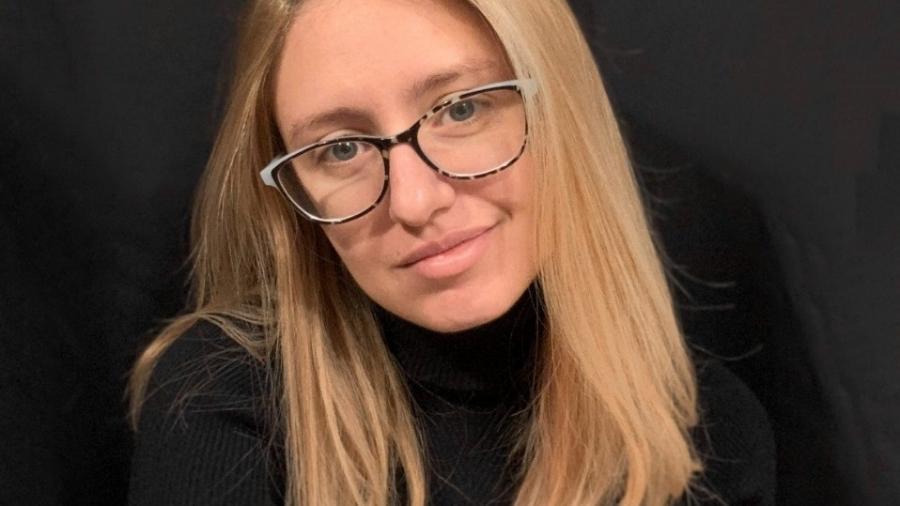 A youtuber Carol Capel teve uma piora em seu quadro de depressão depois de começar a sentir sintomas da fibromialgia - Arquivo pessoal