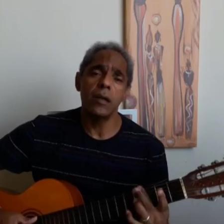 O cantor e compositor Arlindo Paixão - Reprodução/YouTube