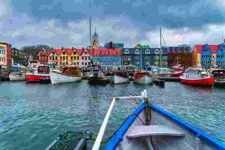 Vista de Torshavn, a colorida capital das Ilhas Faroé - Getty Images - Getty Images