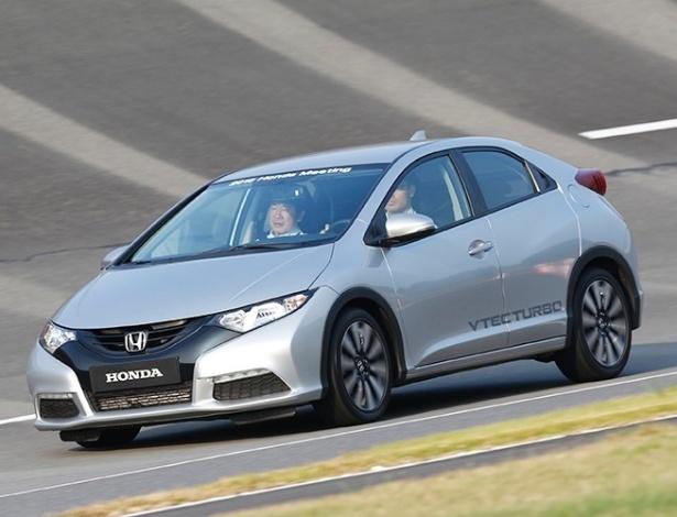 UOL Carros testou novo motor 1.0 turbo no Civic Hatch, em Tochigi (Japão) - Divulgação