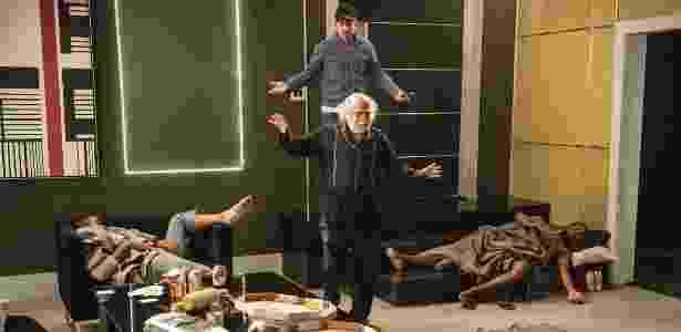 Romero sai da prisão e dá de cara com mendigos em sua cobertura - Renato Rocha Miranda/Divulgação/TV Globo - Renato Rocha Miranda/Divulgação/TV Globo
