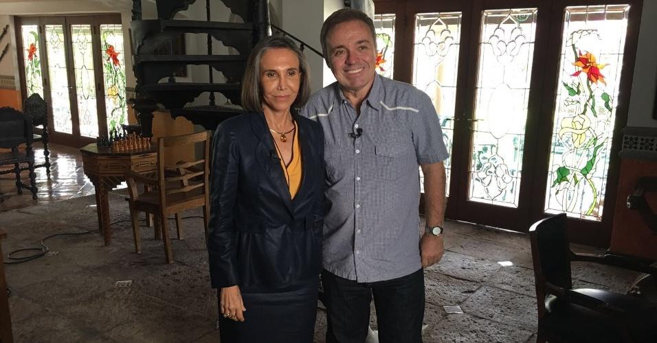 Gugu entrevista Florinza Meza em Cancún, no México