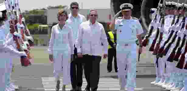 O presidente cubano Raul Castro chega em Cartagena de Índias, na Colômbia - Reuters