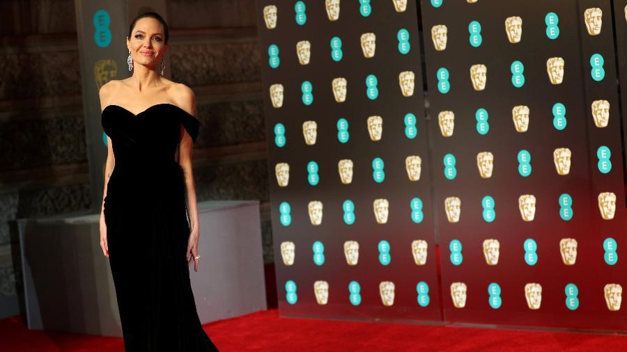 Angelina Jolie chega à premiação em Londres - Hannah McKay/Reuters