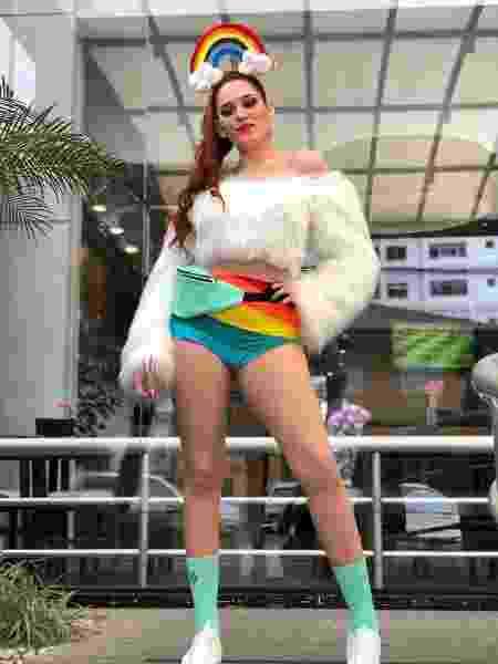 Ana Clara pronta para a Parada - Reprodução/Twitter