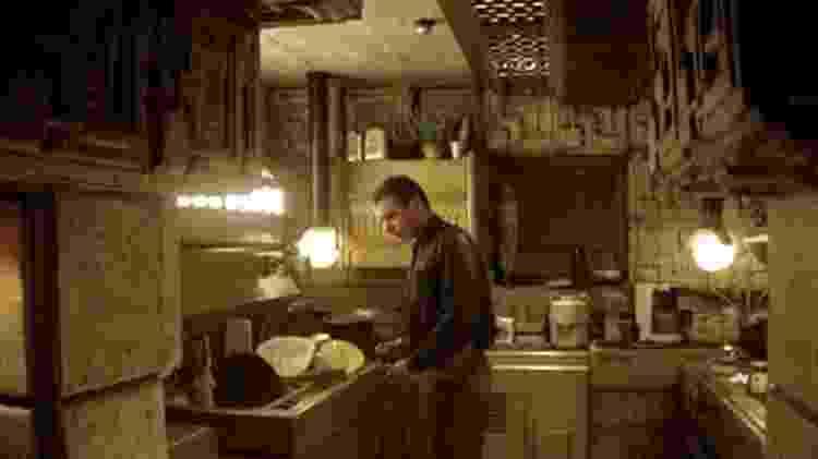 A cozinha de Blade Runner, com cenografia inspirada na arquitetura da Ennis House - Reprodução - Reprodução