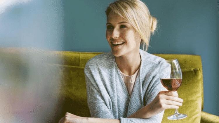 Tomar uma taça de vinho por dia pode não ser tão saudável, dizem pesquisadores - GETTY IMAGES - GETTY IMAGES