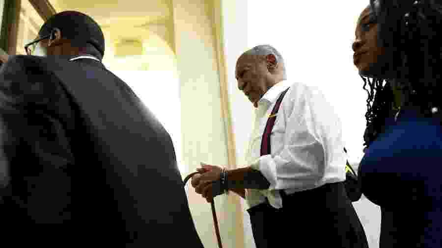 Bill Cosby é algemado após ser condenado nos Estados Unidos - Mark Makela/Getty Images