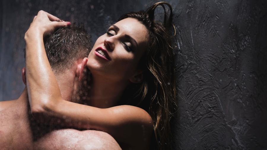 """O """"banho romano"""" é a prática de regurgitar durante o ato sexual; fantasia pode fazer parte do BDSM - Getty Images"""