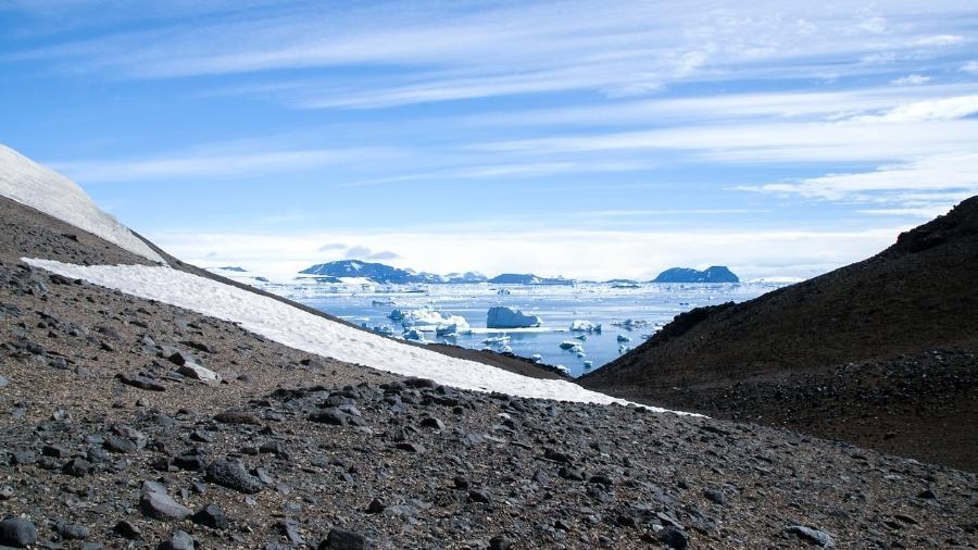 Um simples grão de poeira pode ajudar cientistas na missão - Karin de Mamiel/IStock