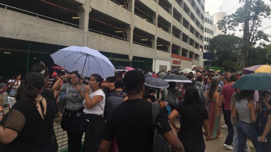 Fãs de BTS compram ingresso para show em SP - Renata Nogueira/UOL