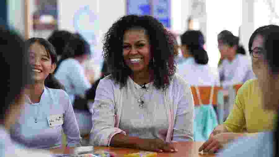Michelle Obama durante evento no distrito de Can Giuoc, no Vietnã, em dezembro - AFP
