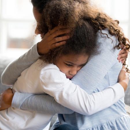 Estudos demonstram que efeitos negativos de situações traumáticas podem passar para as gerações futuras - iStock