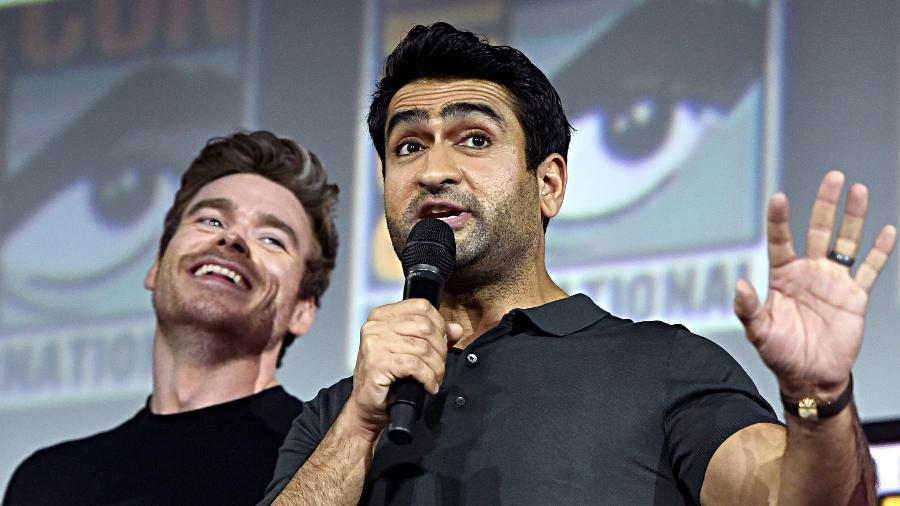 """Kumail Nanjiani em painel de """"Os Eternos"""" na San Diego Comic-Con de 2019 - Alberto E. Rodriguez/Getty Images para a Disney"""