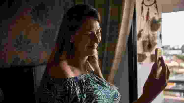 "Distanciamento social: "" ""Nem minha mãe pode tocar na minha barriga"", conta a grávida Denise Martin - Deutsche Welle - Deutsche Welle"