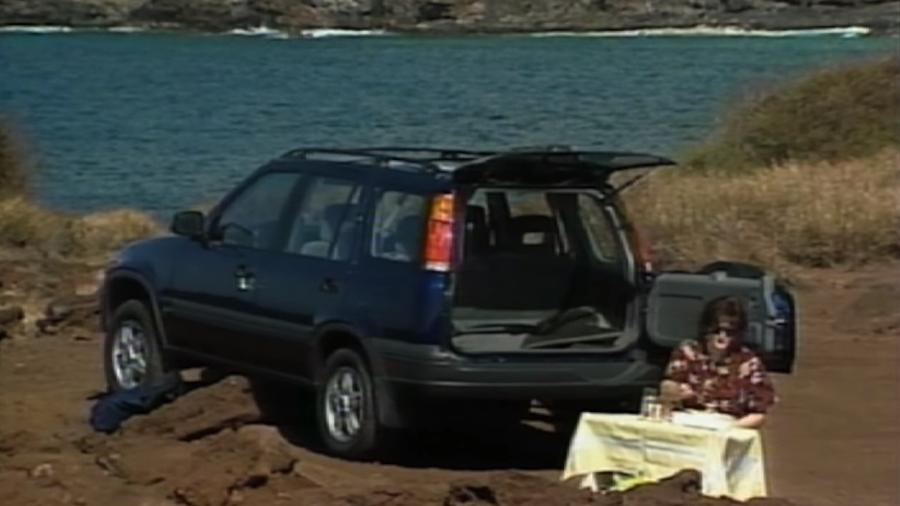 Honda CR-V 1997-2001 com chuveiro e mesa - Divulgação