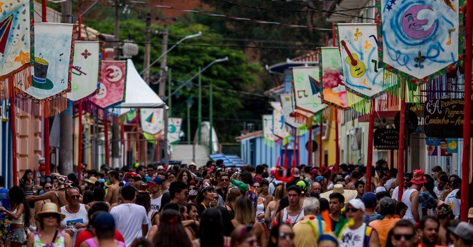 6.fev.2016 - Com Carnaval alegre e colorido, São Luiz do Paraitinga espera atrair 150 mil turistas para pular as marchinhas características da cidade