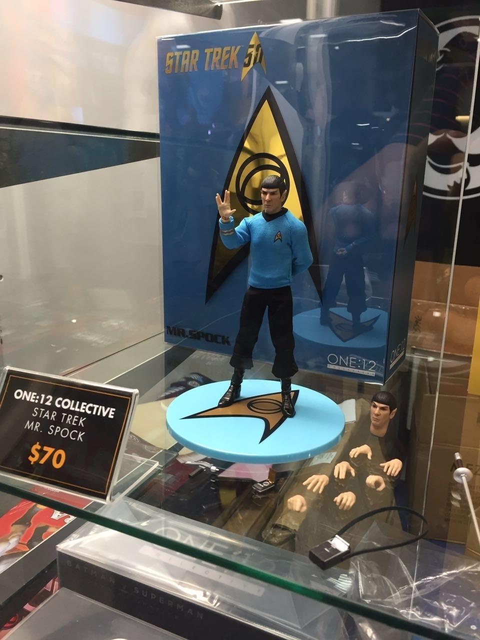 O boneco de Sr. Spock faz a saudação mais conhecida do mundo geek na San Diego Comic-Con 2016