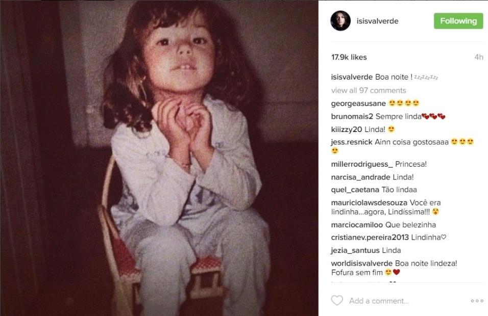 12.out.2016 - Na noite desta quarta-feira, Isis Valverde também entrou no clima do Dia das Crianças e compartilhou uma foto da sua infância nas redes sociais