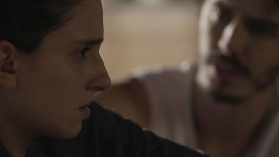 """Ivana (Carol Duarte) termina namoro com Cláudio (Gabriel Stauffer) em """"A Força do Querer"""" - Reprodução/GShow"""