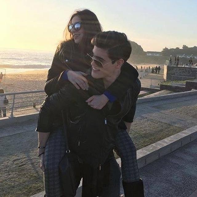 Bruna com o namorado Breno, que faz dupla com seu irmão gêmeo Caio César, em um dos poucos cliques do casal na rede social dela