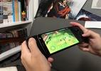 Seu celular pode virar um videogame portátil com este novo acessório (Foto: Bruna Souza Cruz/UOL)