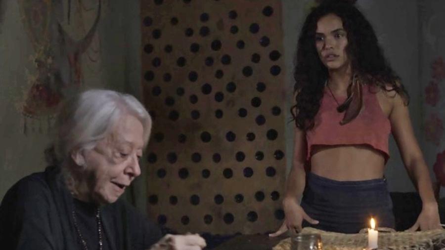 Mercedes (Fernanda Montenegro) e Cléo (Giovana Cordeiro) sempre discutem sobre as dificuldades financeiras, que vivem as duas em um sítio perto de Pedra Santa  - Divulgação/TV Globo