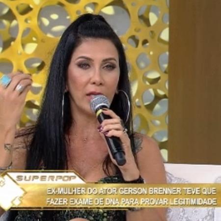 """Denize Taccto no """"Superpop"""" - Reprodução/ Rede TV"""