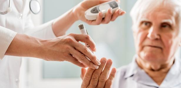 Diabetes tipo 2 está associado a um declínio da função cerebral de idosos