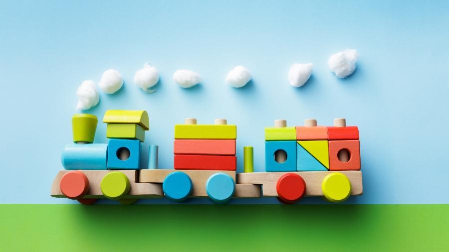 Brinquedos pedagógicos são alternativa para tirar eletrônicos das mãos das crianças - iStock Images