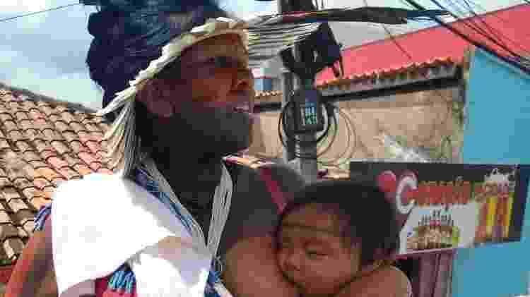 Marcilene Liana Guajajara, uma das fundadoras do grupo, e a filha de um ano - Divulgação - Divulgação