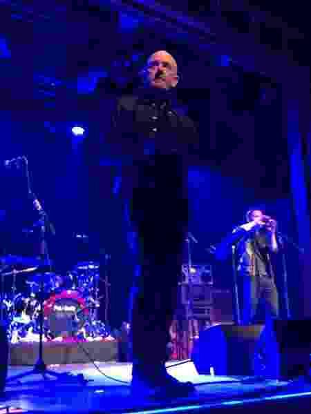 Michael Stipe canta no Webster Hall, em Nova York - Reprodução/Instagram/@becki17