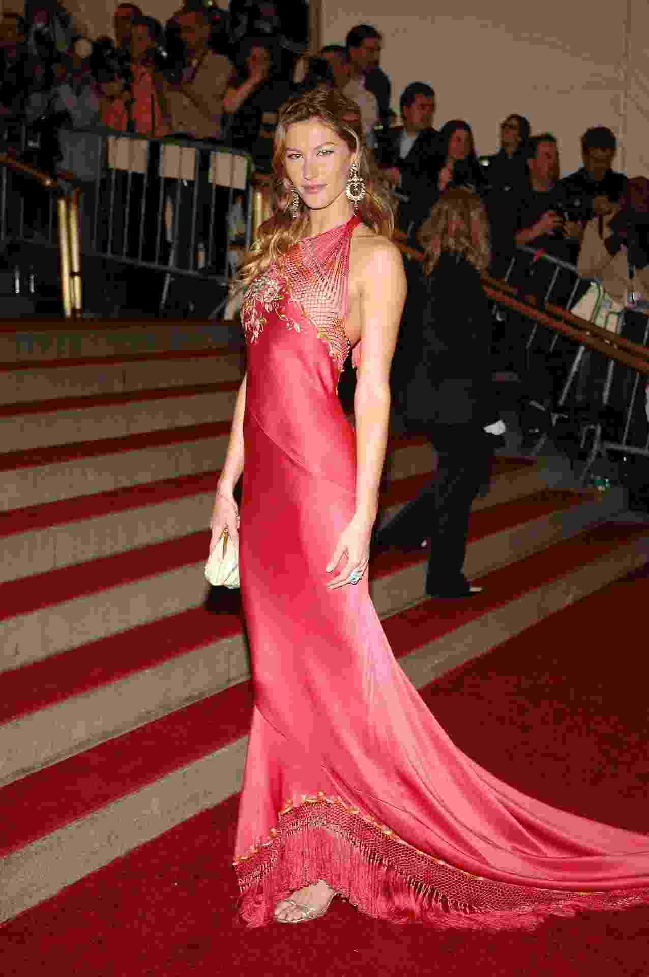 Gisele Bündchen no MET Gala 2006 - Getty Images
