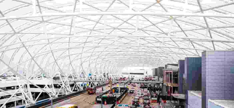 O aeroporto Hartsfield-Jackson Atlanta International Airport em Atlanta, nos Estados Unidos, passou por severas mudanças com a pandemia - Getty Images
