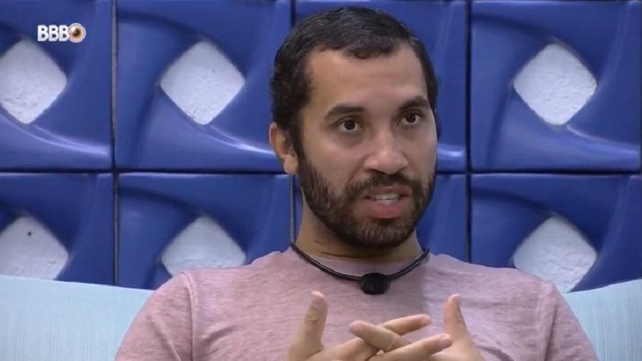 BBB 21: Gilberto comenta sobre possível eliminação do BBB - Reprodução/Globoplay