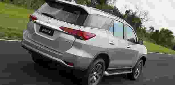Toyota SW4 2016 traseira - Divulgação - Divulgação
