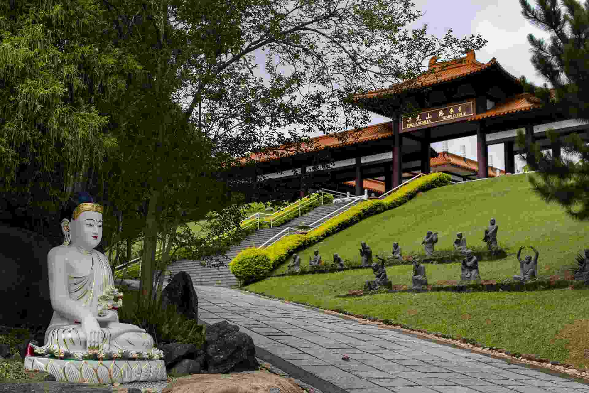 Templo Zu Lai, em Cotia - Fabio Braga/Folhapress