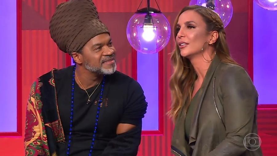 """Carlinhos Brown ao lado de Ivete Sangalo no """"The Voice"""" - Reprodução"""