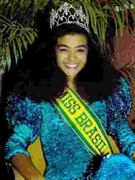 Deise Nunes com a coroa e a faixa no Miss Brasil em 1986 - Reprodução - Reprodução