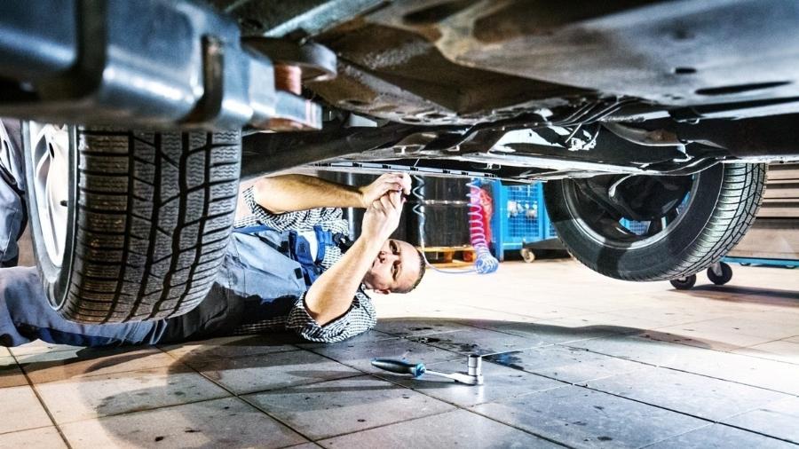 Serviços de revisão e manutenção ajudam a manter o veículos nas condições ideias de uso, principalmente no frio - Getty Images/iStockphoto